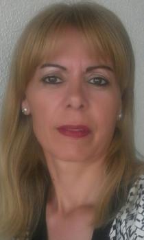 Carmen D. Baby-sitters ou puériculteurs Ref: 256921