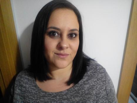 Nuria P. Canguros / Cuidadores niños Ref: 376944