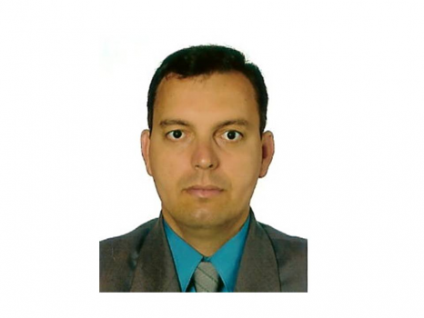 André Luis P. Babysitter / cuidador de crianças Ref: 3751